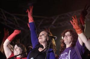 Haris Alexiou's solidarity concert
